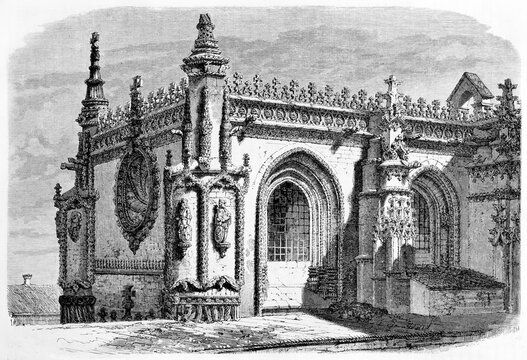 Part of manueline and gothic style Sala do Capitulo (Chaptershouse) in the Monastery of Batalha, Portugal. Ancient grey tone etching style art by Therond, Le Tour du Monde, Paris, 1861