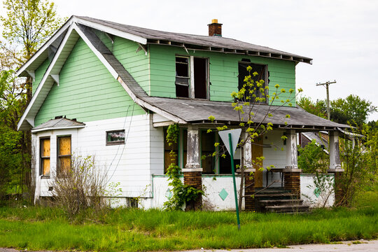 Abandoned Home in Detroit, Michigan. This is a deserted building in a bad part of town. Detroit, Michigan, USA.
