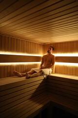 Fototapeta Dojrzały mężczyzna w saunie