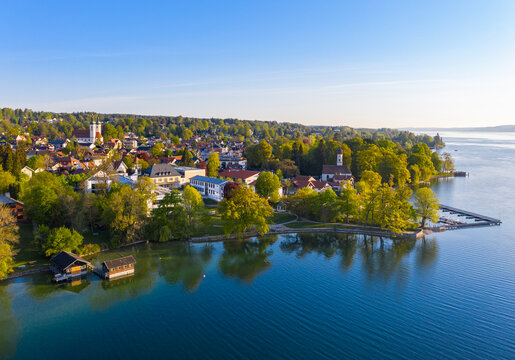 Germany, Bavaria, Tutzing, Drone view of town on shore of Lake Starnberg in spring