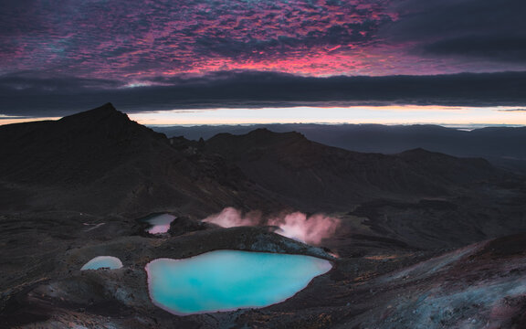 Sunrise over Tongariro Alpine Crossing