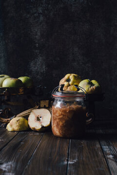 Still life with quinces and apples - compote