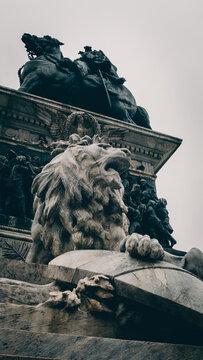 Statua di leone 1