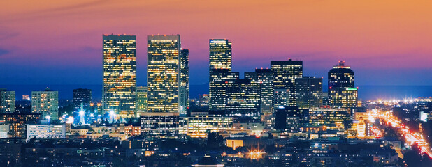Fotobehang - Los Angeles skyline at dusk. View of Century City and Pacific Ocean.