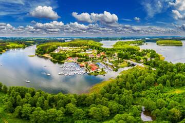 Mazury-kraina tysiąca jezior w północno-wschodniej Polsce