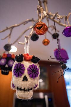 Skull and spiders - Halloween decor