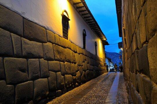 Twelve-angle stone in the Inca wall of Hatun Rumiyoq Street, photographed in 2018.