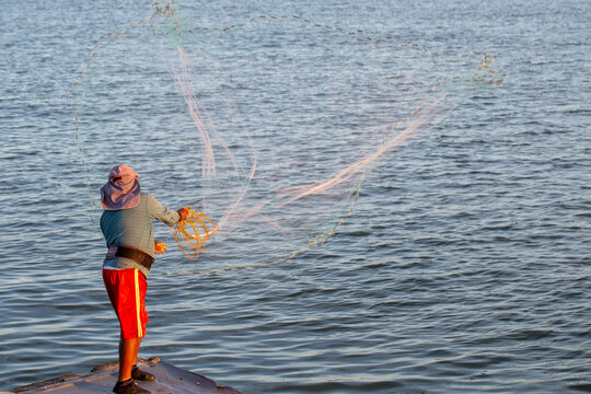 Mexican fishing with a net, on the coast of Mexico, Tuxpan.