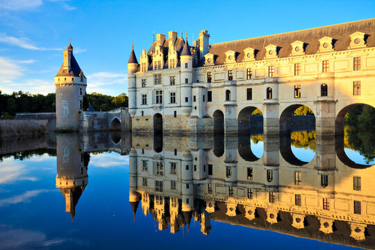 The palace of Chenonceau at sunset