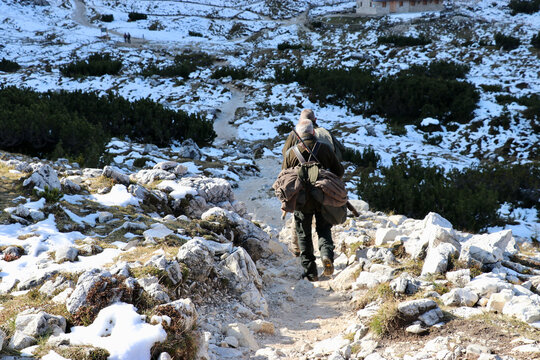 Jäger im Naturpark 3 Zinnen (Dolomiten)
