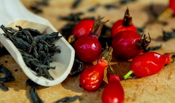 herbal tea that treats colds and flu with rosehip and mint