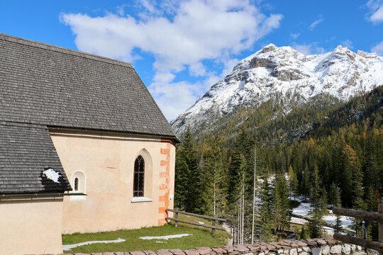 Kirche San-Bagio-Passo di Cimabanche, Dolomiten