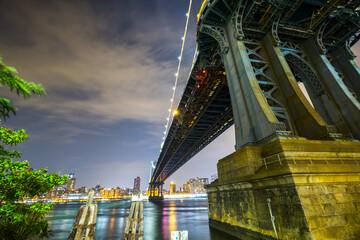 city bridge at night brooklyn dumbo new york