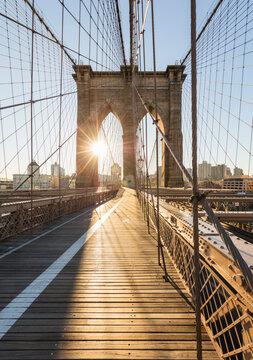 USA, New York, New York City, Brooklyn Bridge at sunset