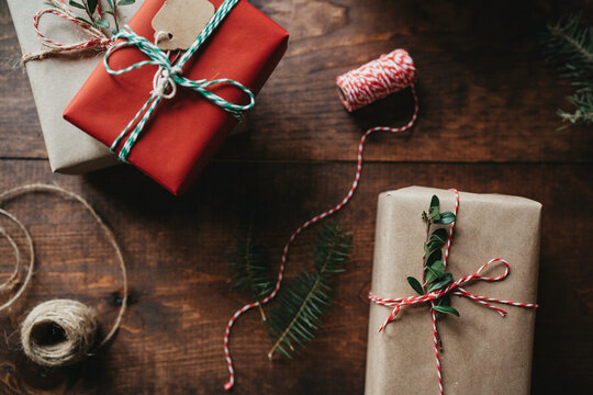 Rustic Christmas Gift Wrapping