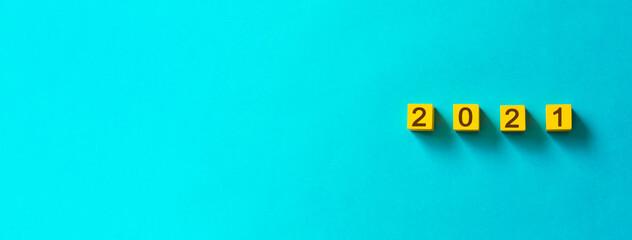 2021 blocks on color background. Branding iron-like character.  カラー背景上の2021のブロック。焼印のような字