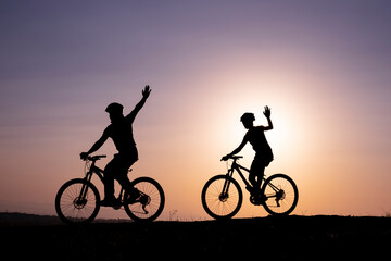 cycling relaxes and cures people, ride a bike to stay happy and healthy