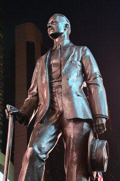 Denkmal vom Schauspieler, Komponist, Regisseur und Pruduzent George M. Cohan  am New Yorker Times Square in Manhattan im Theater District. Fotografiert am 4. Dezember 2019, USA.