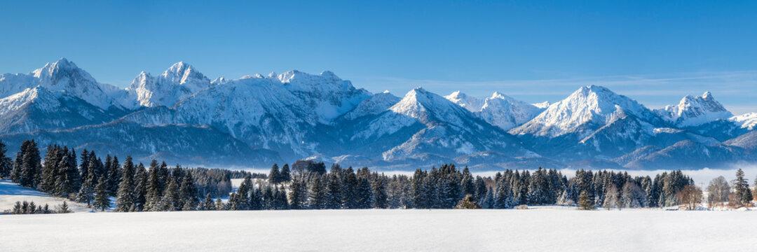 Panorama Landschaft im Winter im Allgäu