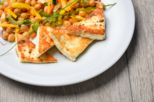 Halloumi grilled cheese with mixed salad