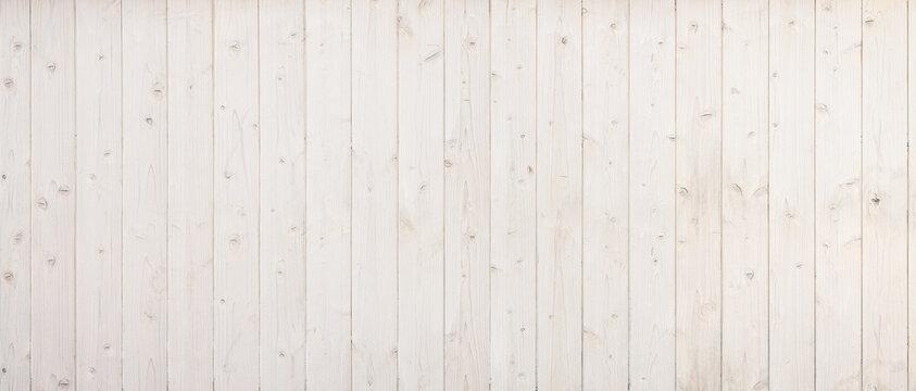 白くペイントされた、ナチュラルな風合いの木の背景テクスチャー