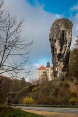 Fototapeta Zamek w Pieskowej Skale i Maczuga Herkulesa obraz