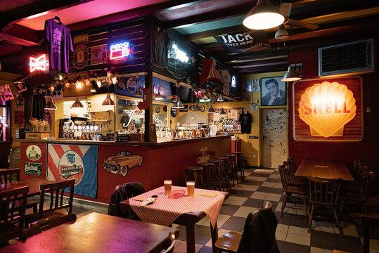 Pub Americano in Italia Bikers Life HD