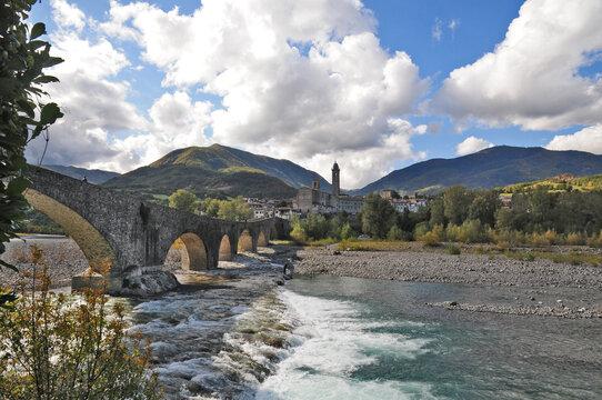 Bobbio, il ponte Gobbo sul Trebbia- Piacenza
