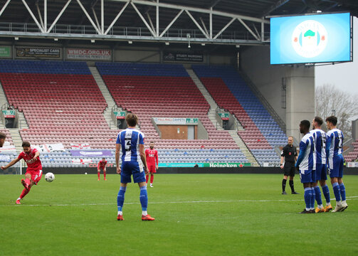 FA Cup First Round - Wigan Athletic v Chorley