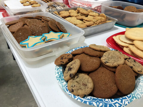 chocolate chip cookies at the Christmas bake sale