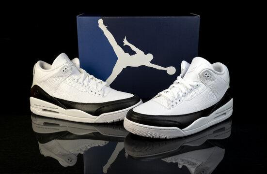Nike Air jordan 3 Fragment shoes studio shot