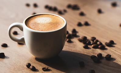 illustration tasse de café avec grains de café support bois