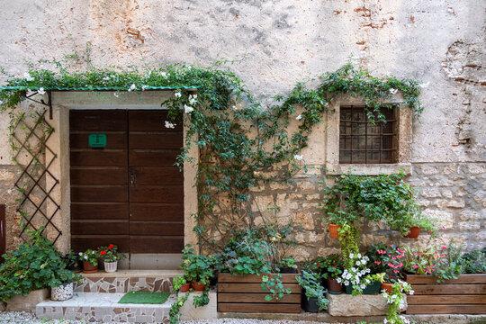 Fassade eines alten Hauses in Kroatien