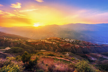 Photography pictures of sunrise scenery in the mountains