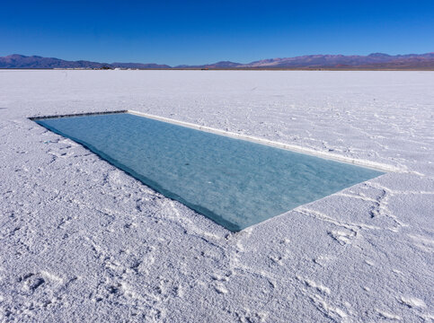 The Salinas Grandes are located in the northwestern part of Argentina, at an average altitude of 3450 meters above sea level.