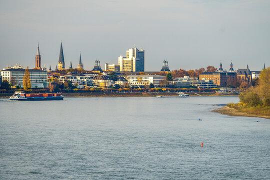 Bonn-Zentrum, Rheinansicht, Panorama