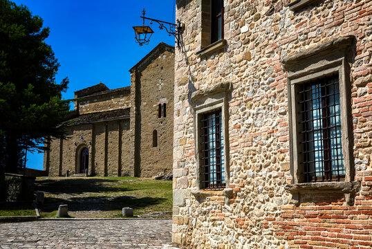 Beautiful square of the ancient San Leo village, hub of the historic Montefeltro region, in Emilia Romagna, Italy