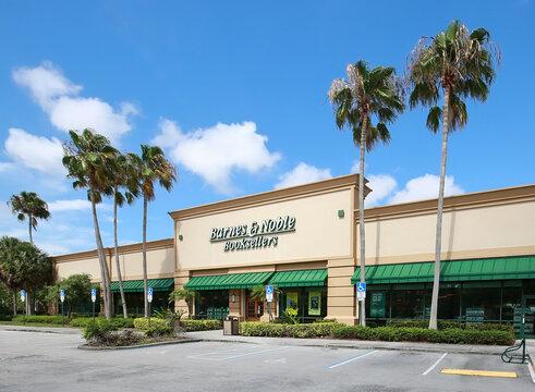 Barnes & Noble Bestseller store in Plantation, Florida, USA.