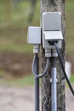 électricité energie ligne cable fil prise courant extérieur