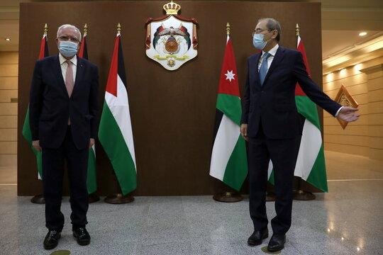 Jordanian Foreign Minister Safadi and Palestinian FM al-Maliki meet in Amman