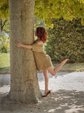 health, nature, trees, woman, shinrin yoku, healthy, lifestyle, stress reduction, therapy, sensual, mind, stimulation, connection, heal, feel good, decelerate, rehabilitation, life, pure, experience,