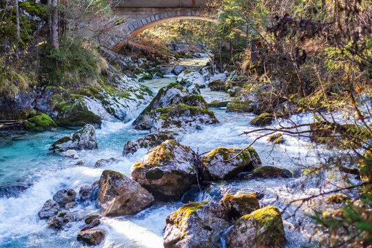Wildbach Ramsauer Ache ist der Abluß des Hintersee bei Ramsau im Nationonalpark Berchtesgadener Land