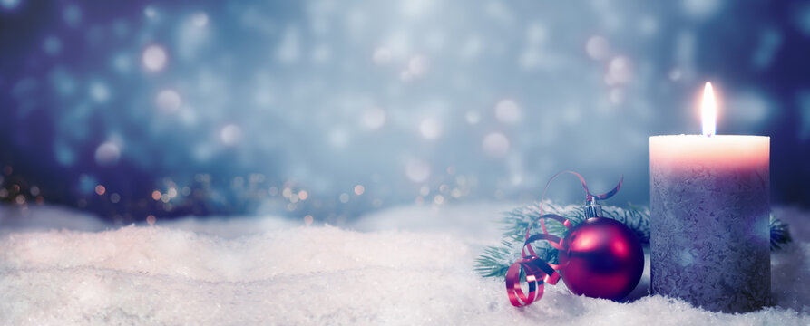 weihnachtlicher kerzenschein