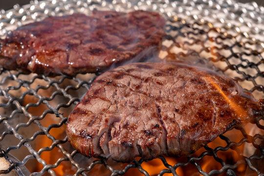 七輪で焼く焼き肉(ヒレ肉)