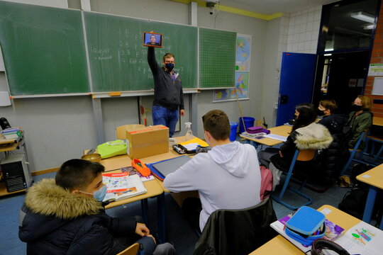 Virtual schooling during the spread of the coronavirus disease in Solingen