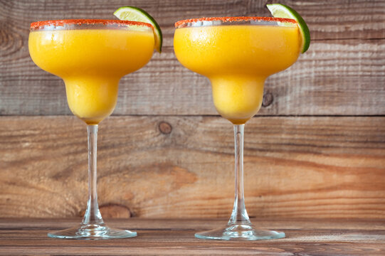 Frozen Mango Margarita cocktails