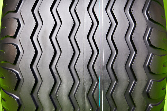 Tread tire track for agricultural