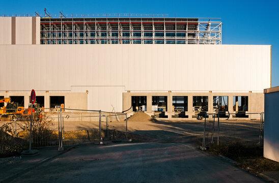 Industriehalle rihbau
