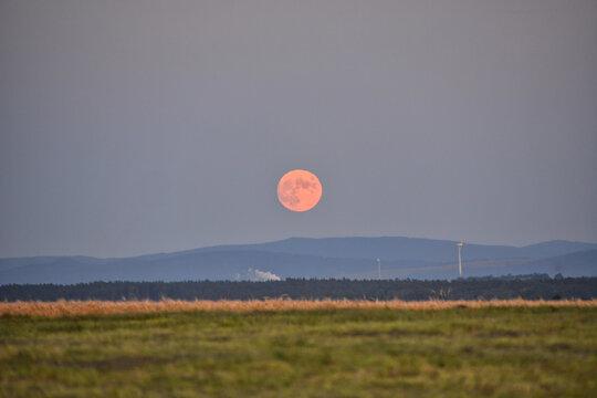 Mondaufgang in Rennersdorf, Herrnhut, Oberlausitz
