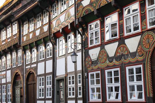 Romantische Fachwerkstadt Einbeck; Häuserzeile in der Tiedexer Straße